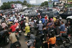 Người dân Indonesia luôn phải sống trong nỗi lo về động đất.